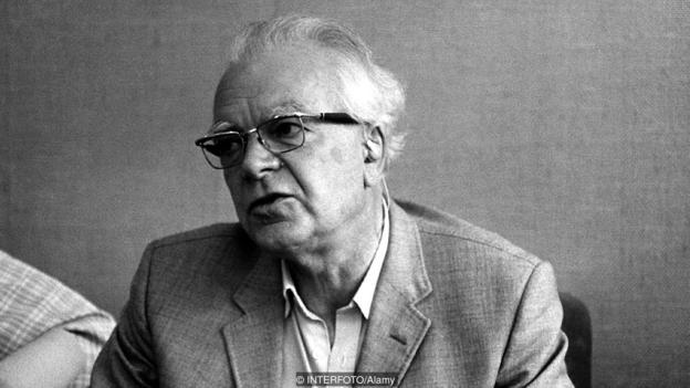 Peter Dennis Mitchell